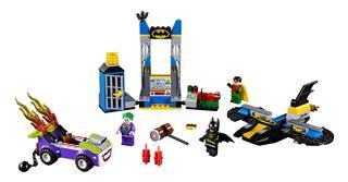 LEGO 10753 - LEGO Juniors - Joker™ támadása a Denevérbarlang ellen
