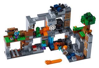 LEGO 21147 - LEGO Minecraft - Kalandok az alapköveknél