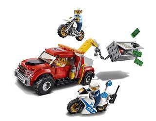 LEGO 60137 - LEGO City - Bajba került vontató
